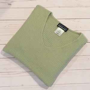 Sale! Patagonia long sleeve sweater